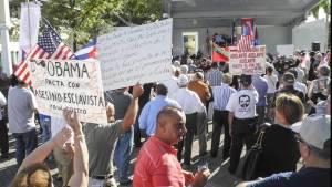 Protestas-Grupos-Miami-Cuba-EFE_CLAIMA20141221_0081_27