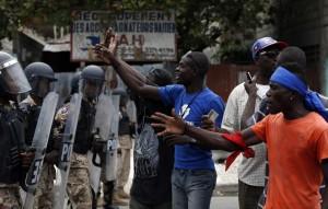 31est1-haiti-scontri-elezioni-reuters-09