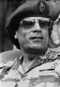 Il leader libico Muammar Gheddafi durante la parata militare per l' anniversario della sua rivoluzione a Tripoli del primo settembre 1969. ANSA