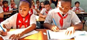 estudiantes-escriben