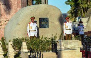 fidel-castro-cementerio-santa-efigenia-2-580x371